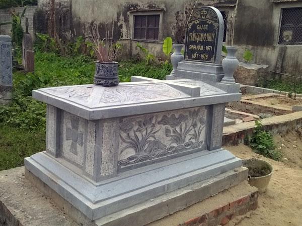 Mẫu mộ công giáo CT 02