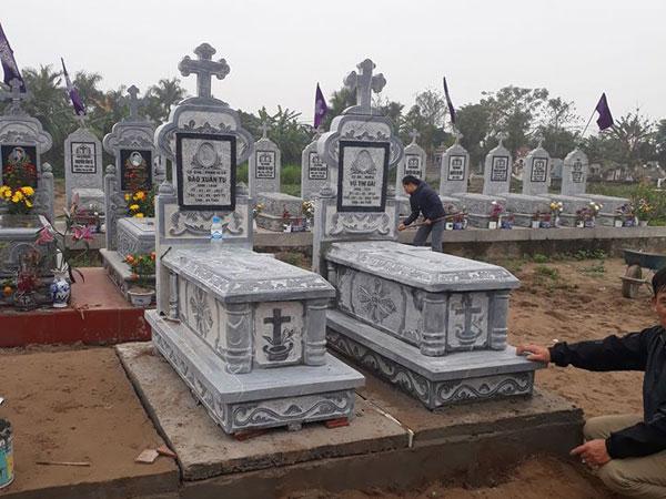 Mẫu mộ công giáo CT 04